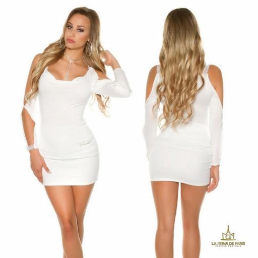 Blusa blanca con mangas abiertas