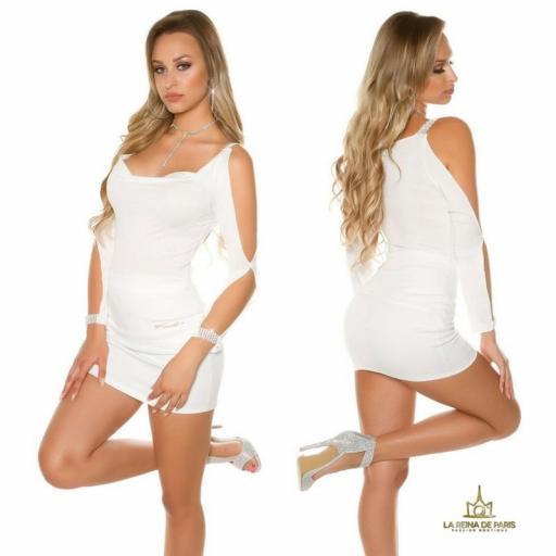Blusa blanca con mangas abiertas [1]