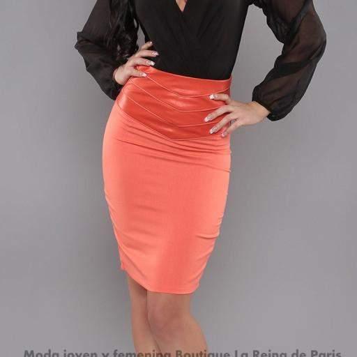 Falda modelo Fresh Coral