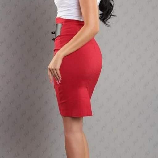 Falda roja lápiz en Oferta [1]