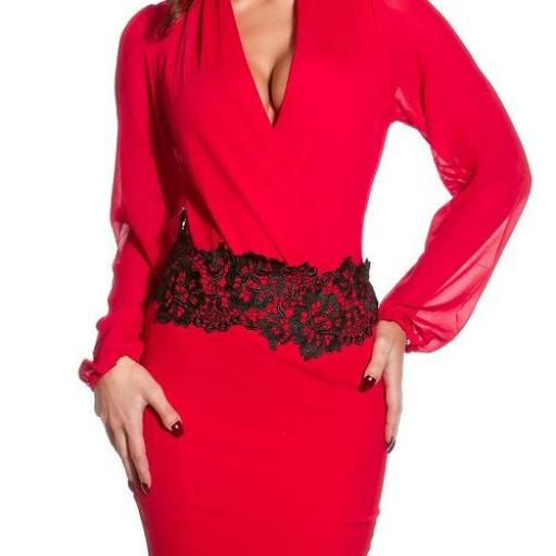 Falda lápiz roja con bordado