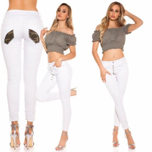 Jeans blanco marcatipazo abotonado