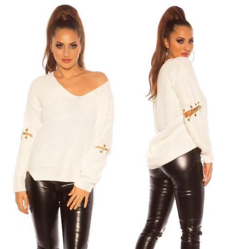 Suéter holgado blanco con cadenas