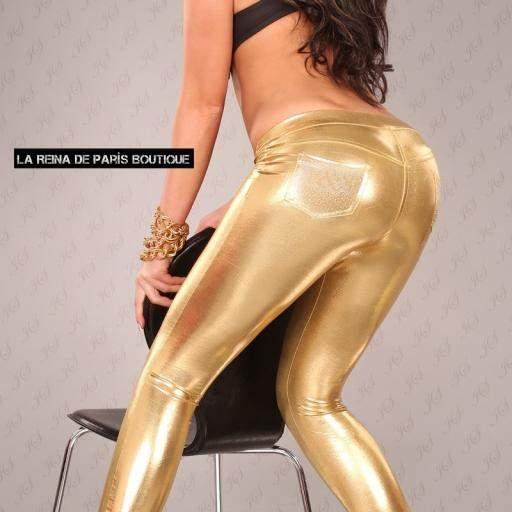 Leggings dorados muy ajustados