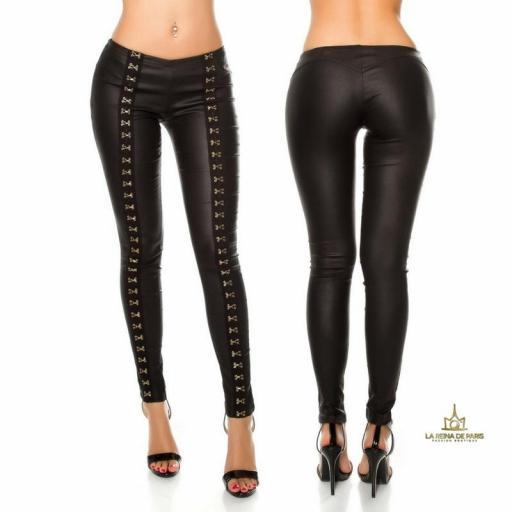 Pantalones ceñidos de piel con ganchos [3]