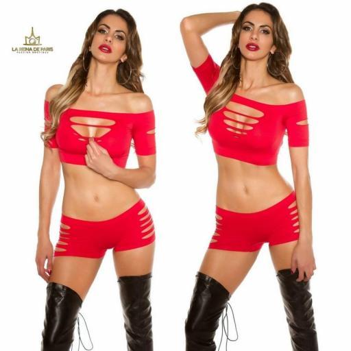 Pantalones rojos cortitos con recortes [3]
