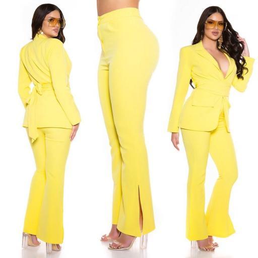 Pantalón bootcut amarillo