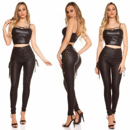 Pantalones ajustados total black [1]