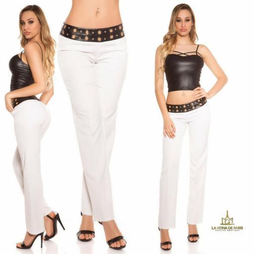 Pantalones rectos blancos con cuero [0]
