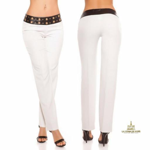 Pantalones rectos blancos con cuero [1]