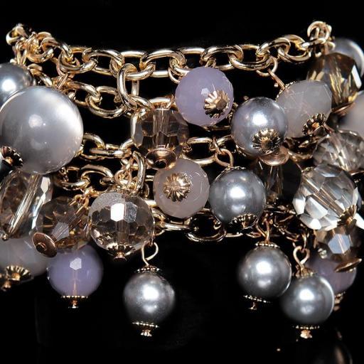 Pulsera de perlas gris