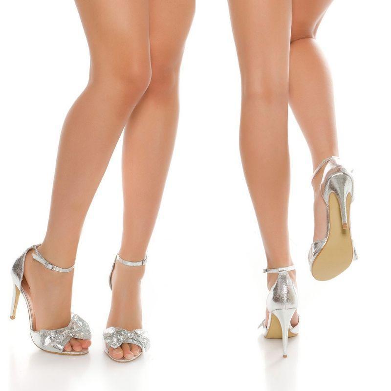 Sandalia plateadas brillante estilo
