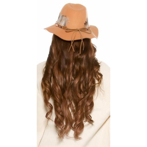 Sombrero con plumas beige [1]