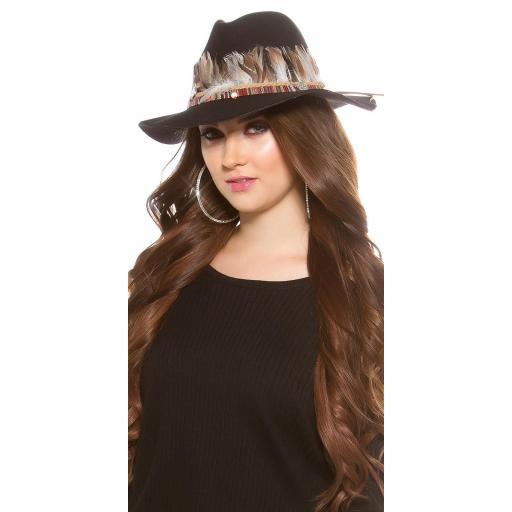 Sombrero con plumas negro