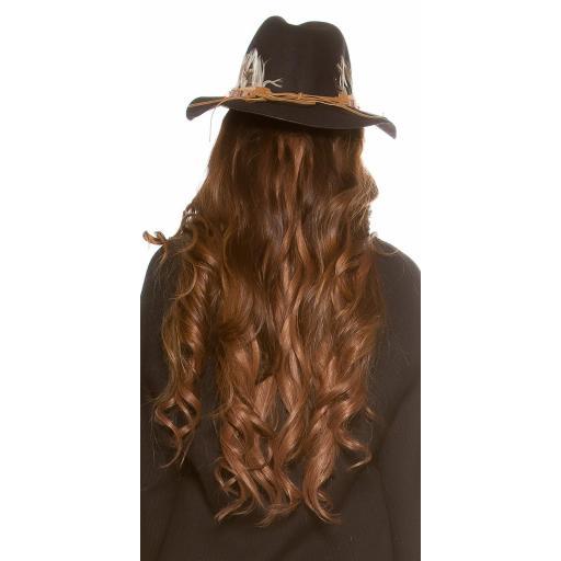 Sombrero con plumas negro [1]