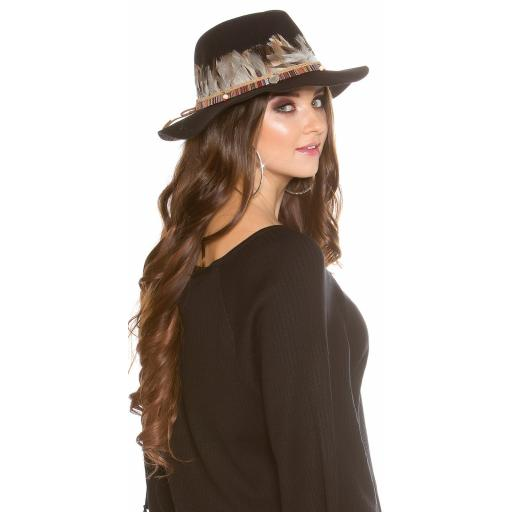 Sombrero con plumas negro [2]