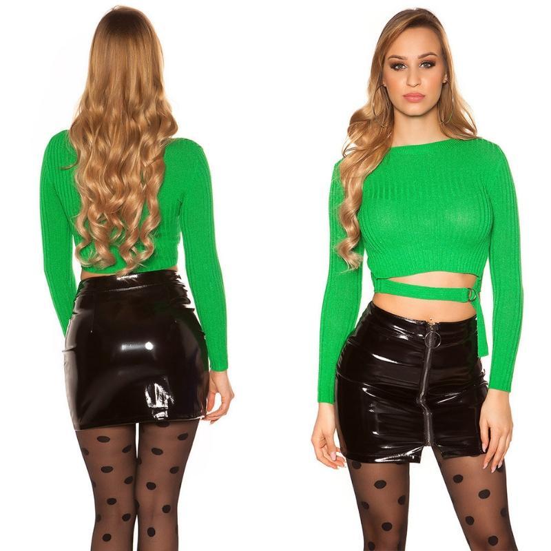 Suéter verde con hebilla