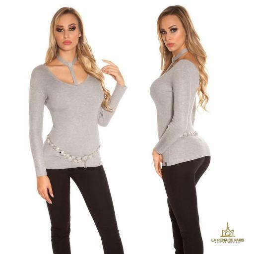 Suéter de moda gris con choker  [1]