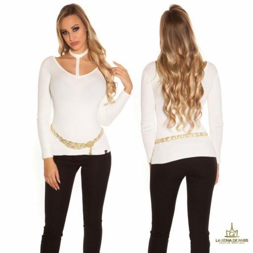 Suéter de moda blanco con choker