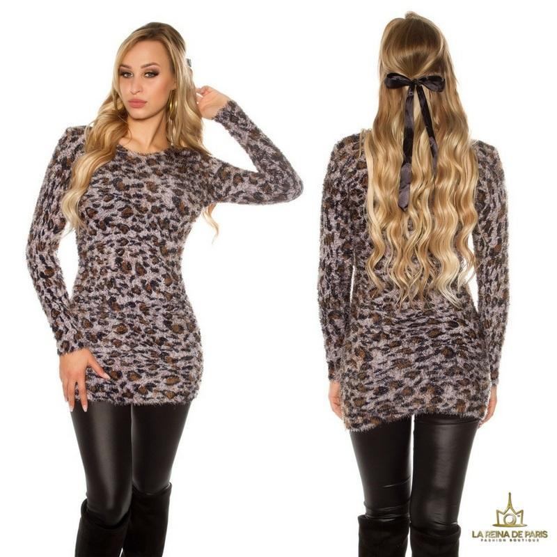 Suéter largo de leopardo mullido