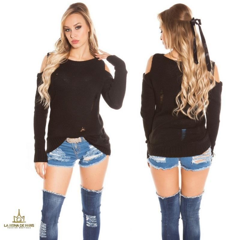 Suéter largo negro a hombro abierto