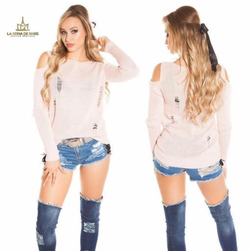 Suéter largo rosa a hombro abierto