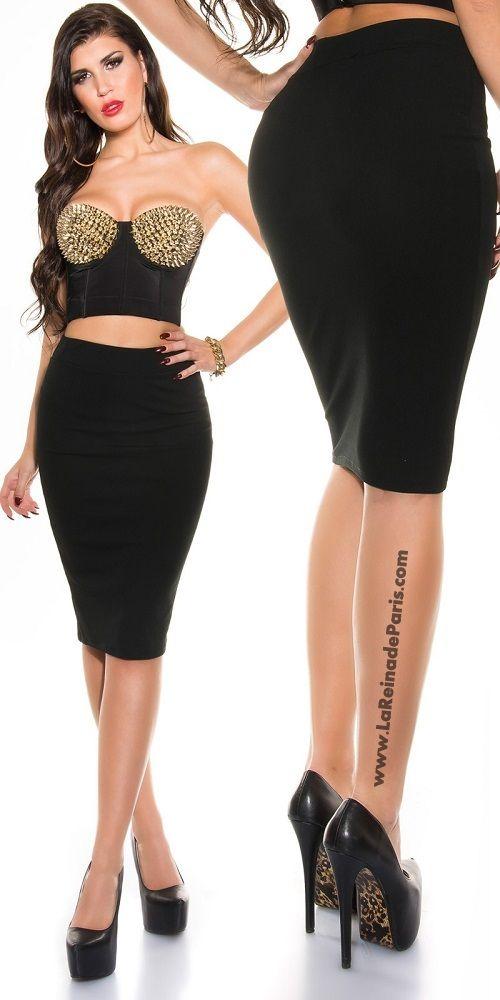 Falda negra lápiz talle alto de moda
