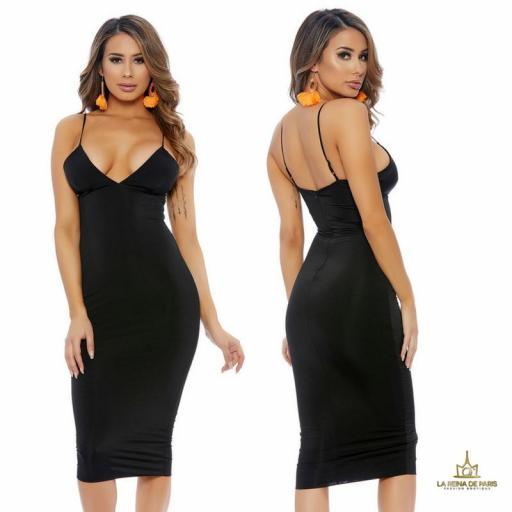Vestido negro ajustado media pierna