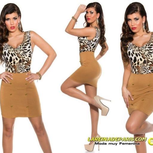Vestido corto entallado low cost