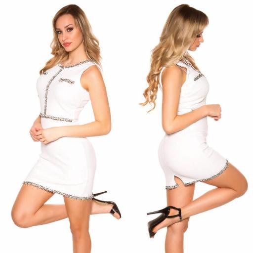 Vestido blanco con costuras en contraste [2]