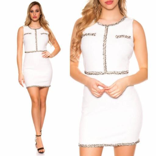 Vestido blanco con costuras en contraste [3]