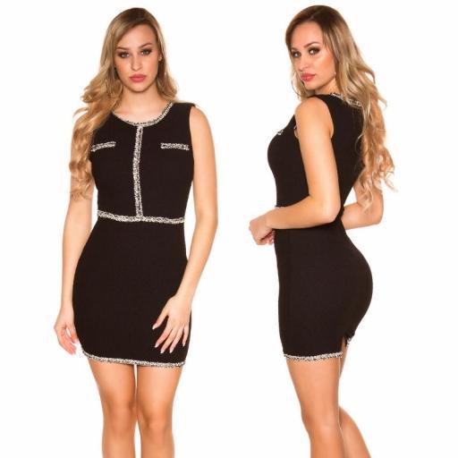 Vestido negro con costuras en contraste [1]