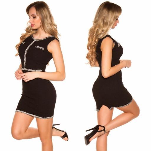 Vestido negro con costuras en contraste [2]