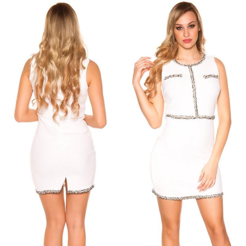 Vestido blanco con costuras en contraste