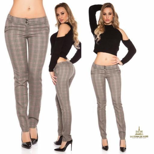 Pantalones rectos tartán atractivos