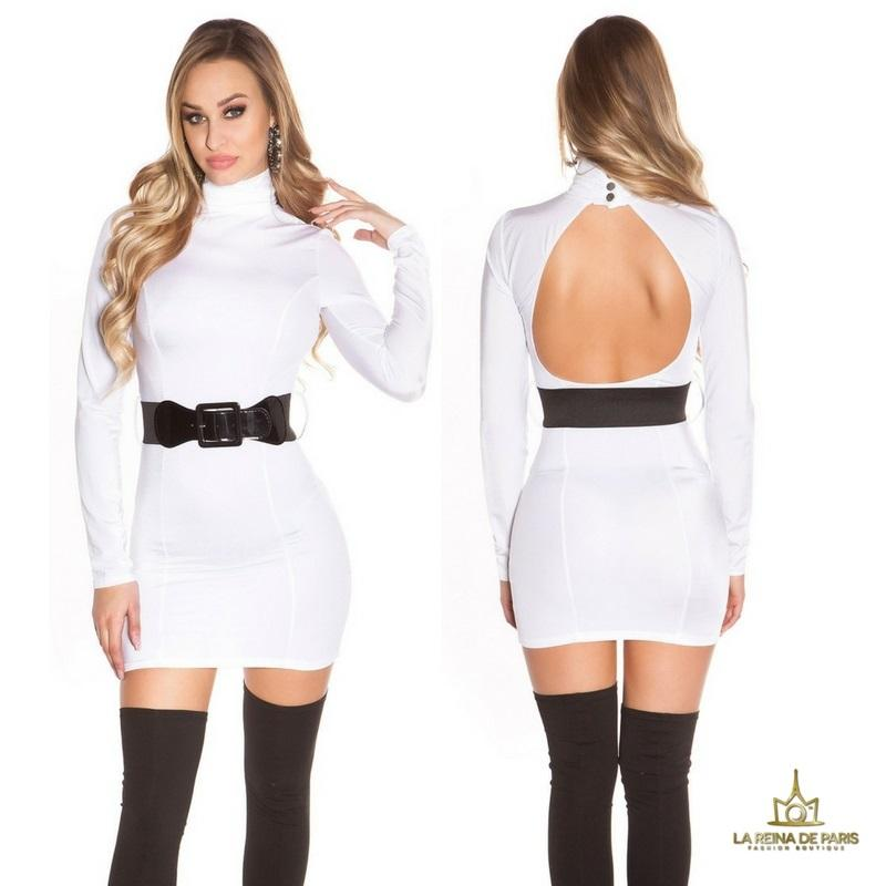 Vestido blanco ceñido cinturón a juego
