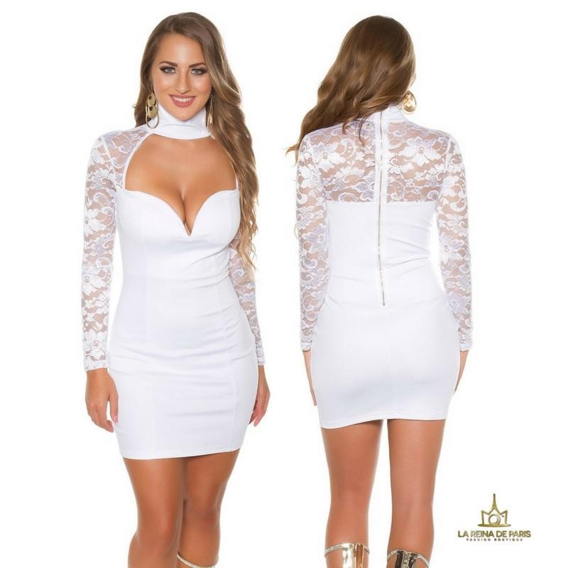 vestido blanco de manga larga con encaje