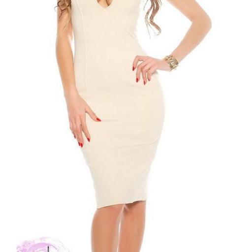 Vestido beige de aberturas atractivas  [1]