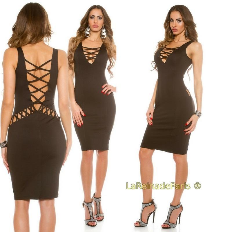 Vestido negro ajustado con aberturas