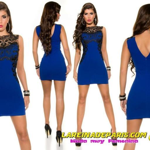 Vestido azul corto con encaje