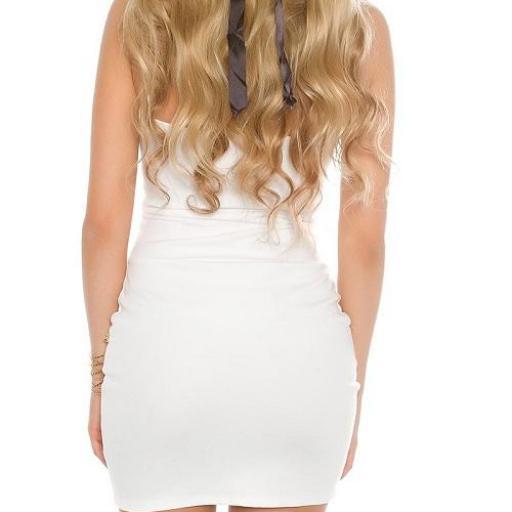 Vestido blanco con aplicaciones  [1]