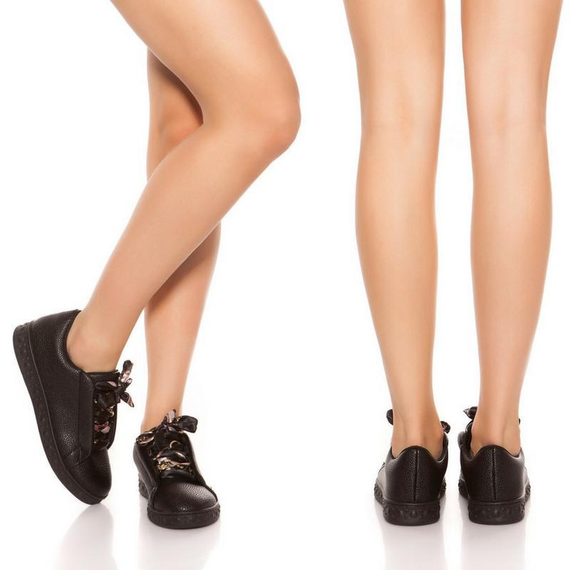 Zapatillas fashion cordones decorativos