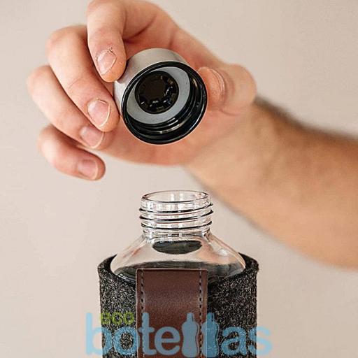 EQUA Chocolate botella de cristal (750ml) con funda [1]