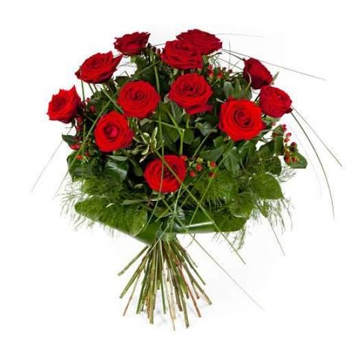 12 Rosas rojas  tallo corto