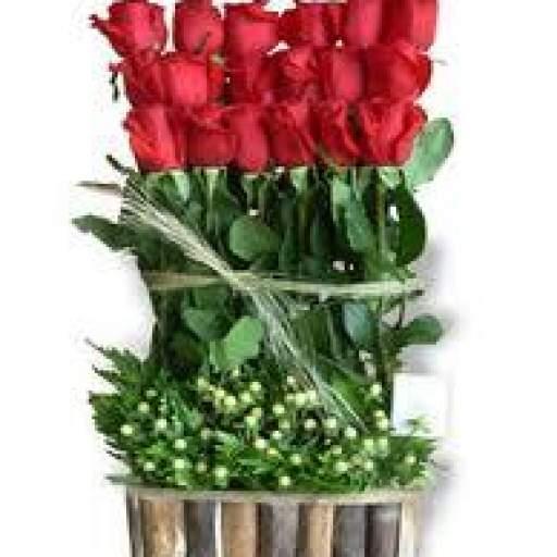 Cesta Con Rosas Rojas