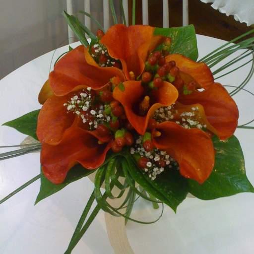 Ramo de novia en color mango (Consultar precio)