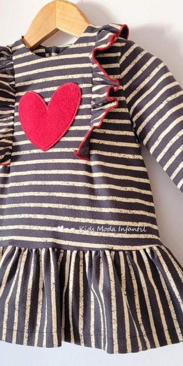 Vestido bebe corazon de rayas negras y beige de Cuka Moda Infantil