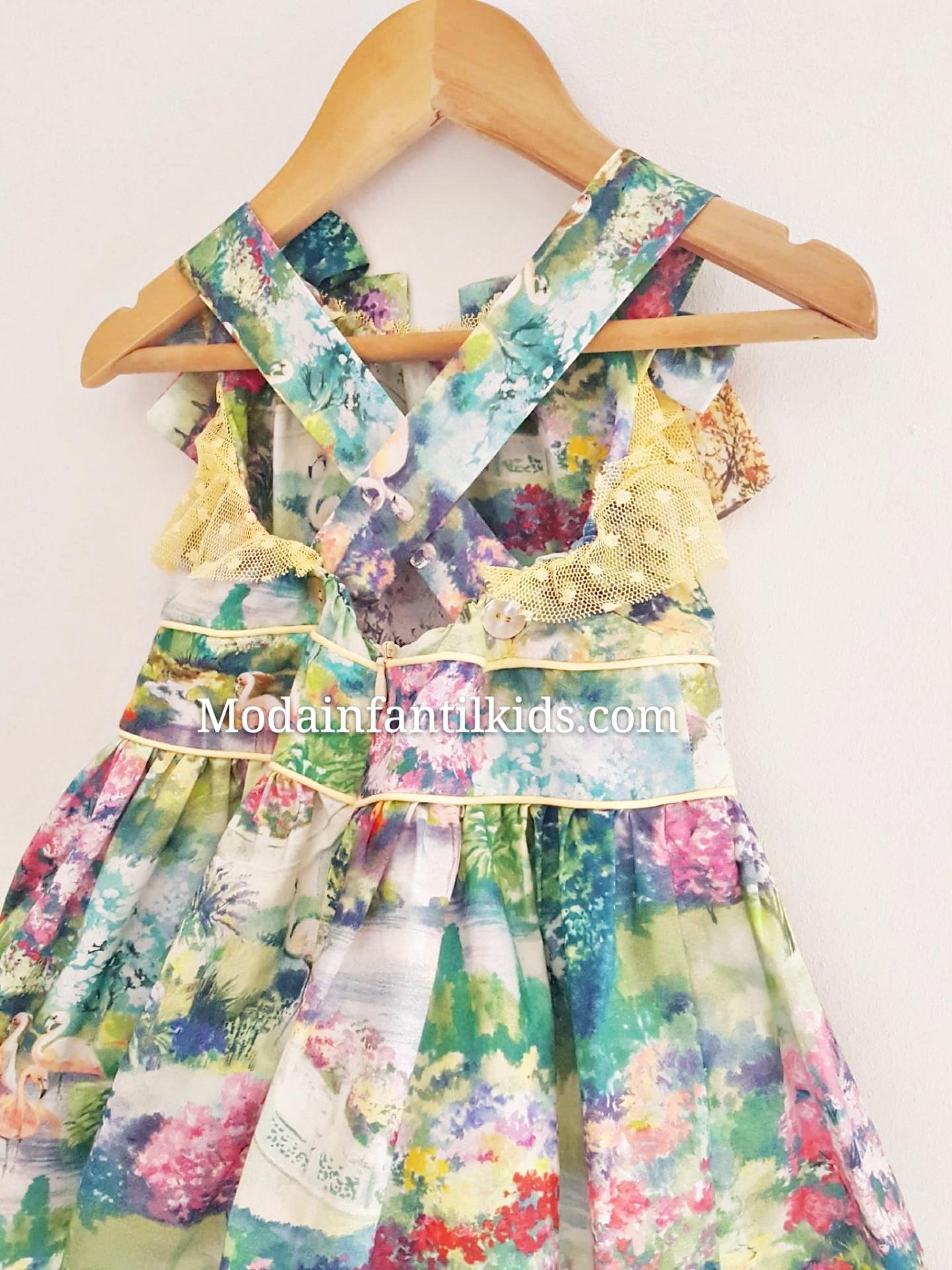 vestido-niña-escote