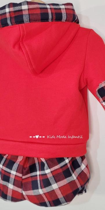 Conjunto bebe niño sudadera roja capucha con short de cuadros de Vera Moda Infantil [2]