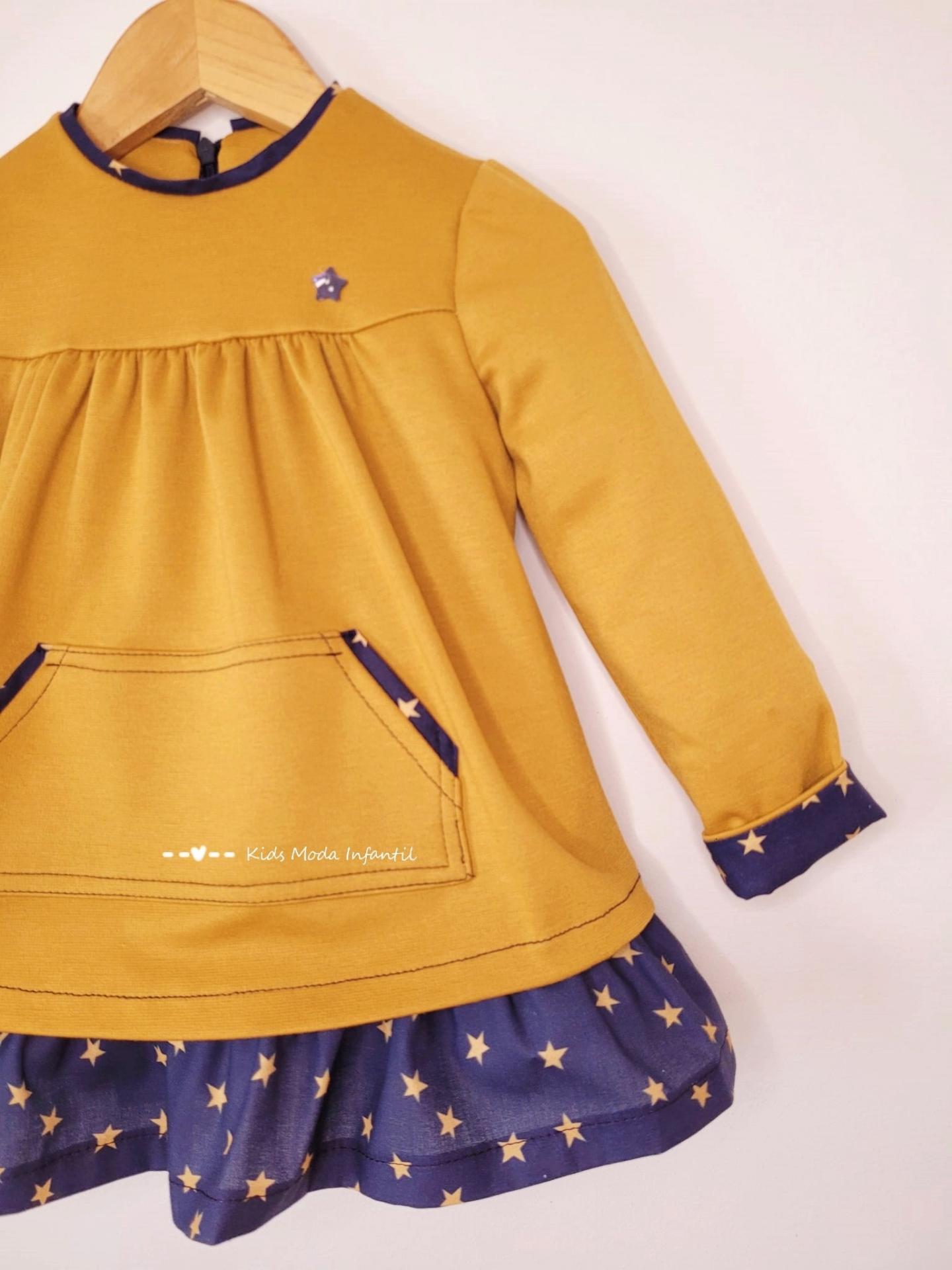 Vestido niña invierno mostaza y estrellas estampadas de Cuka Moda Infantil
